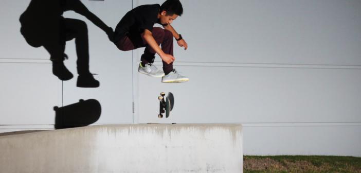 varial heelflip, skateboard